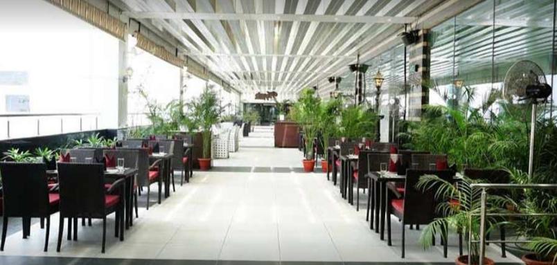 Hoppin RestoBar Elante Mall Chandigarh