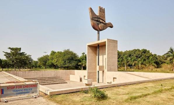 OPEN HAND MONUMENT Chandigarh